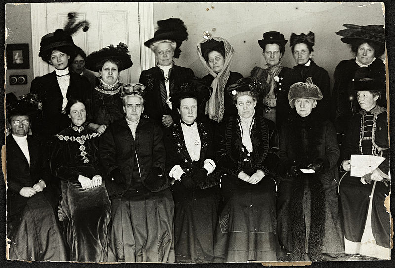800px-Suffrage_Alliance_Congress,_London_1909.jpg